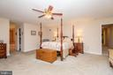 Large Master Bedroom - 5916 HALLOWING DR, LORTON