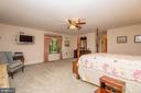Master Bedroom with ensuite - 5916 HALLOWING DR, LORTON