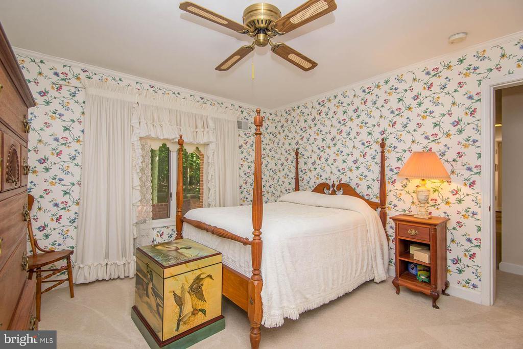 Bedroom 2 - 5916 HALLOWING DR, LORTON