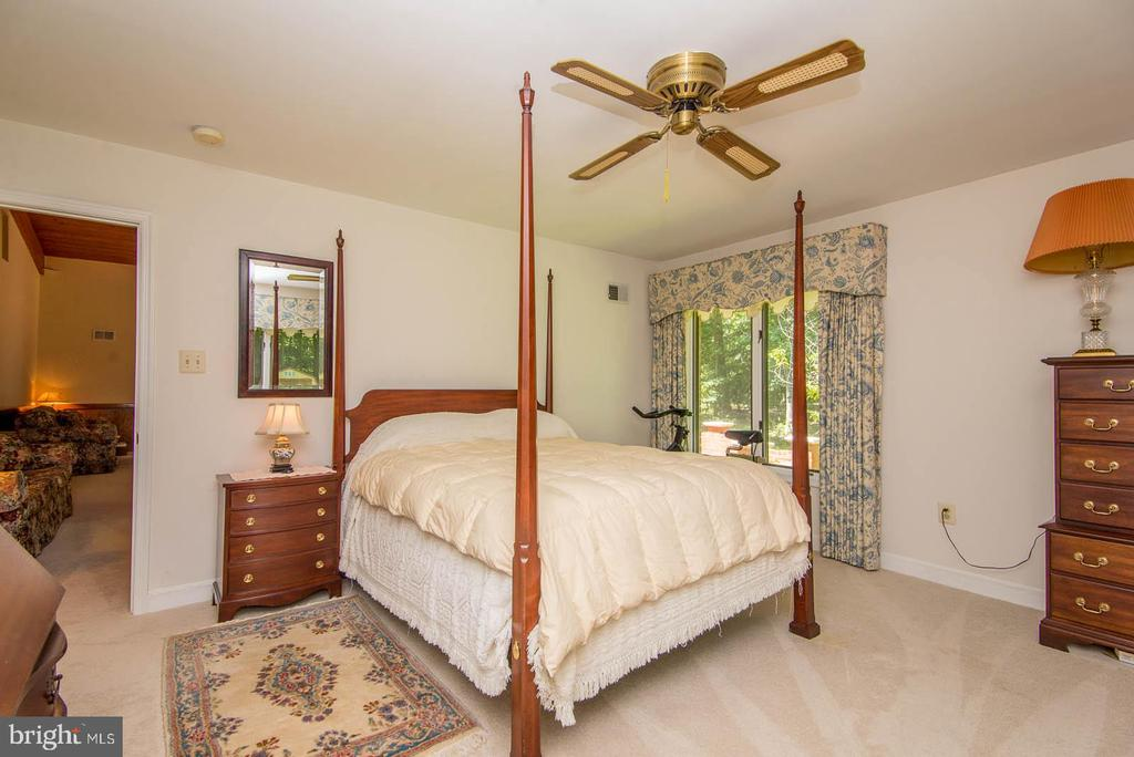 3rd Bedroom - 5916 HALLOWING DR, LORTON