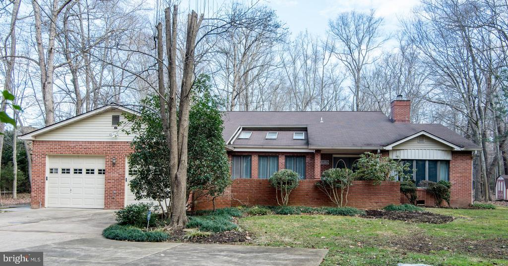 Welcome Home~ - 5916 HALLOWING DR, LORTON