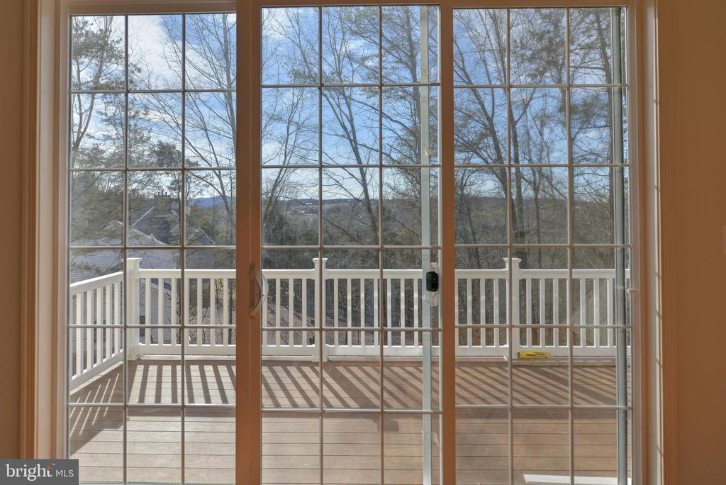 Deck with views - 39163 ALDIE RD, ALDIE