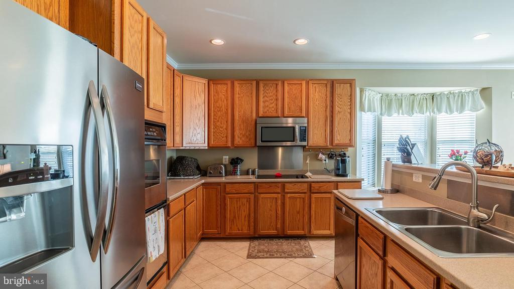 Stainless Steel Appliances - 17473 FOUR SEASONS DR, DUMFRIES