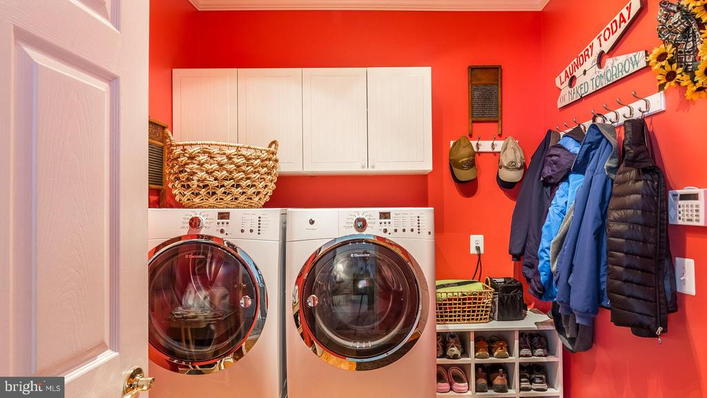 Laundry Room on Main Level - 17473 FOUR SEASONS DR, DUMFRIES