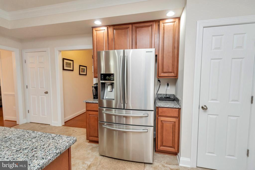 LARGE FRENCH DOOR REFRIGERATOR (3 YRS OLD) - 90 RUBY GLEN LN, FREDERICKSBURG