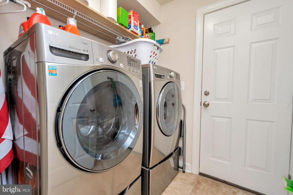 MAIN FLOOR LAUNDRY WITH FRONT LOAD WASHER/DRYER - 90 RUBY GLEN LN, FREDERICKSBURG