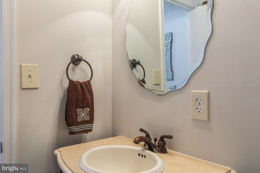 Half Bathroom 1 - 15 OLD FORT LN, STAFFORD