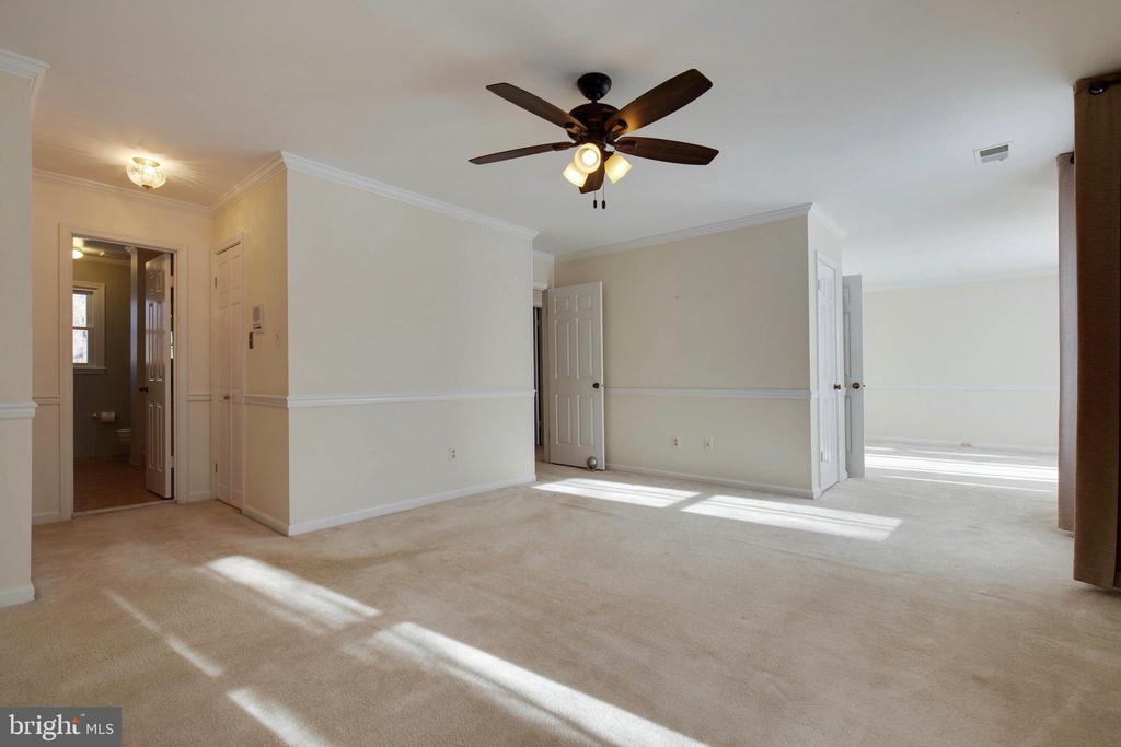 Master bedroom has dual closets, one a walk in - 549 DRUID HILL RD NE, VIENNA