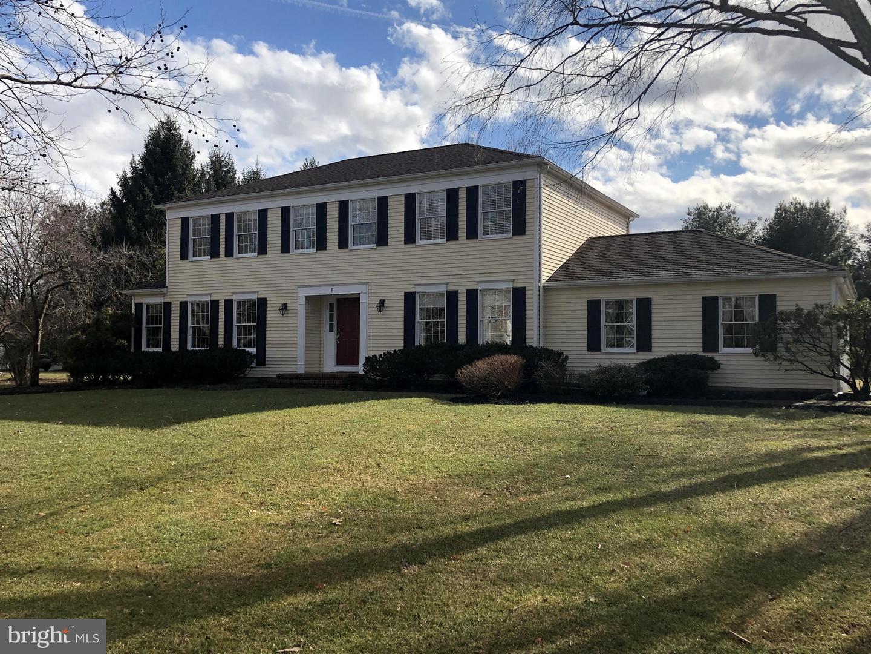 Property för Försäljning vid 5 BRIDGEWATER Drive West Windsor, New Jersey 08550 Förenta staterna