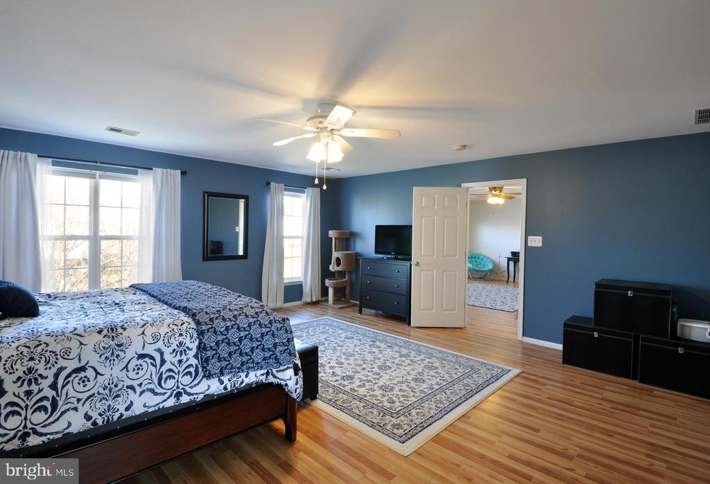 Master Bedroom opens to Upper Level Flex Space! - 6 GRANITE CT, FREDERICKSBURG