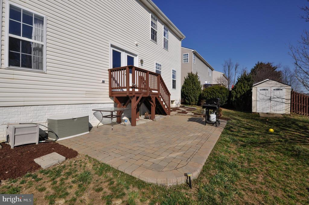 Outdoor entertain and enjoyment- ready to go! - 6 GRANITE CT, FREDERICKSBURG