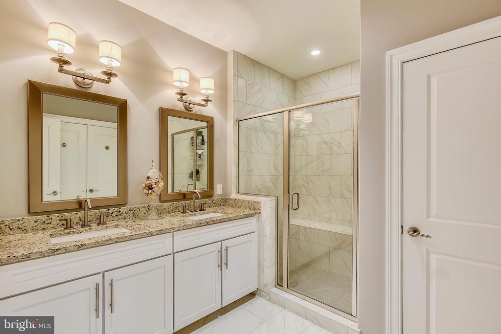 Master Bathroom - 43535 MICHIGAN SQ #RS1, LEESBURG