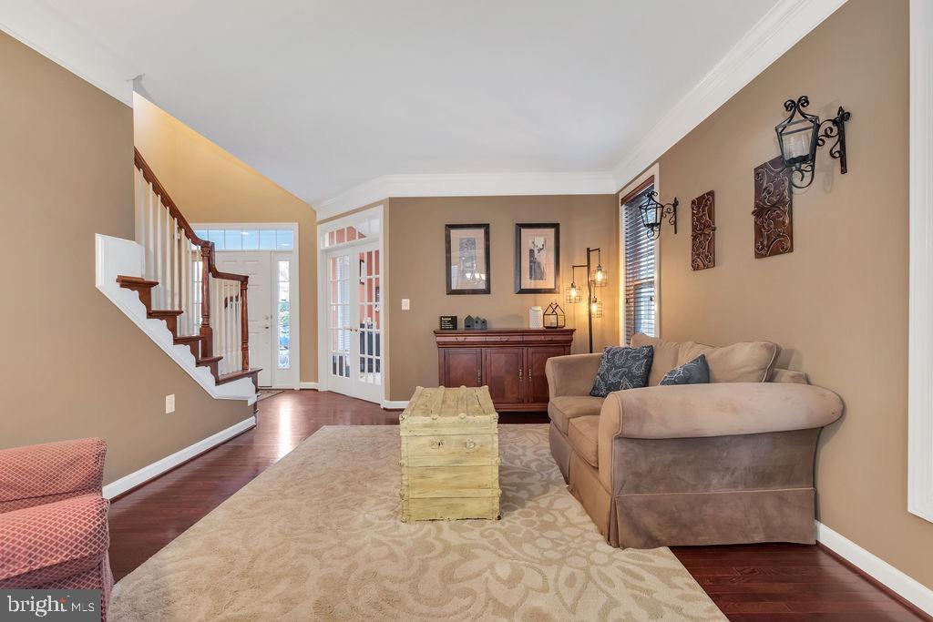 Living room - 42445 MEADOW SAGE DR, BRAMBLETON