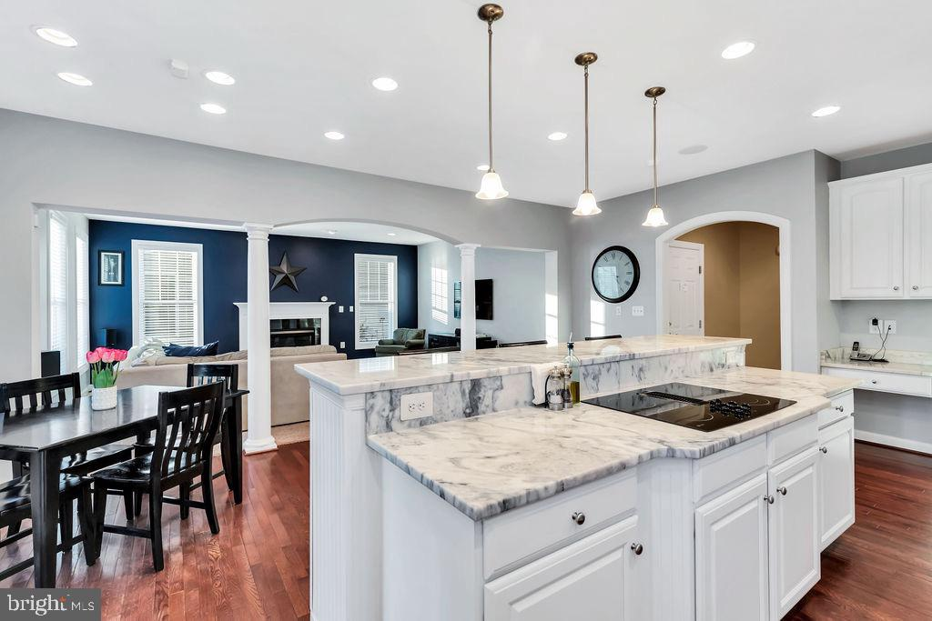 Another view of kitchen and family room - 42445 MEADOW SAGE DR, BRAMBLETON