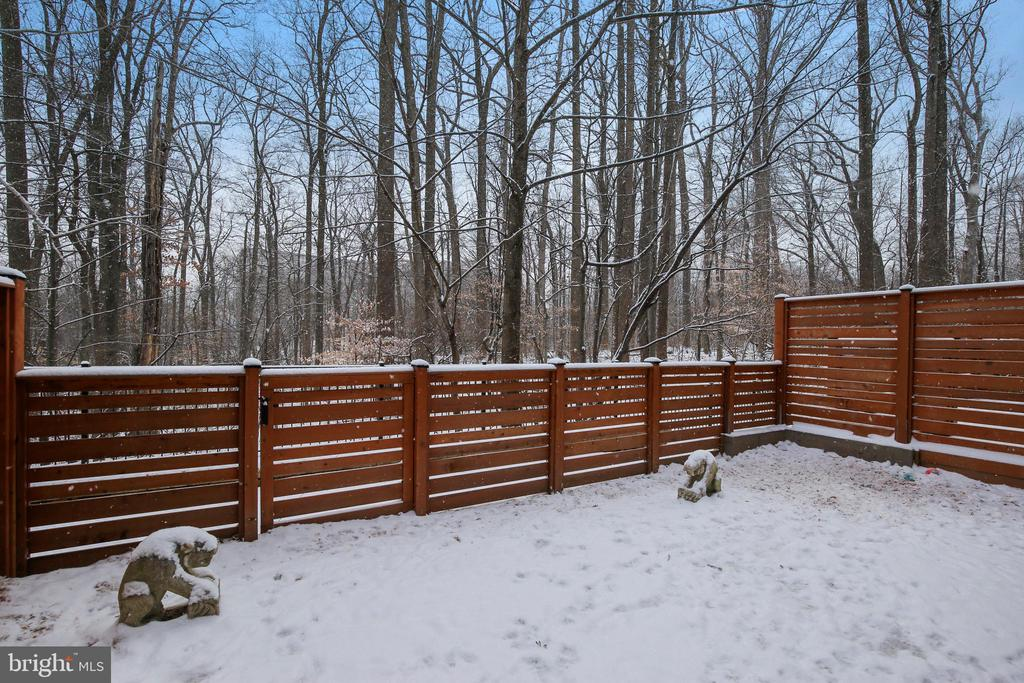 Private Fenced in Yard with Extensive Hardscape - 5402 MERRIAM ST, BETHESDA