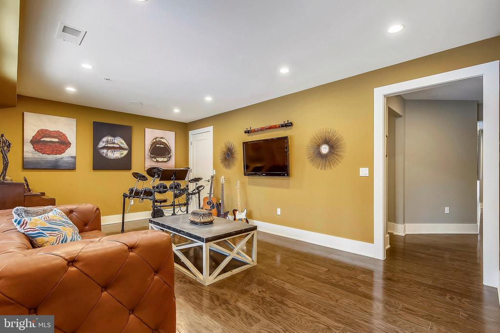 1st Floor Recreation Room  (could be 4th bedroom) - 5402 MERRIAM ST, BETHESDA