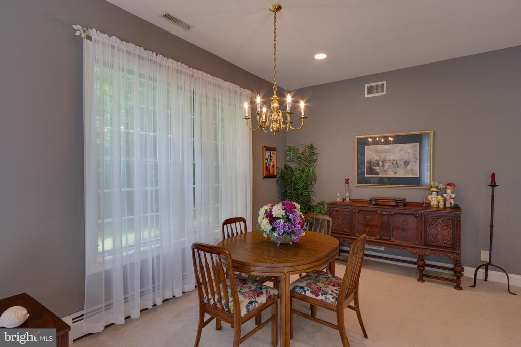 In-Law/Au Pair Suite with Dining Room - 12970 WYCKLAND DR, CLIFTON