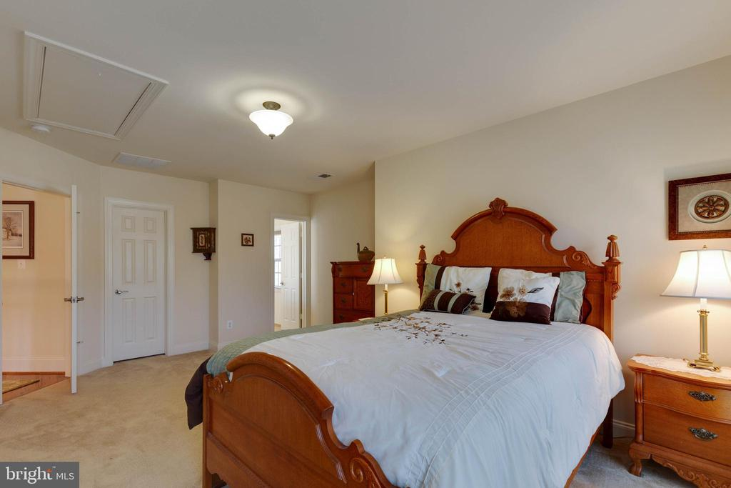 Bedroom 2 with En Suite - 3341 DONDIS CREEK DR, TRIANGLE