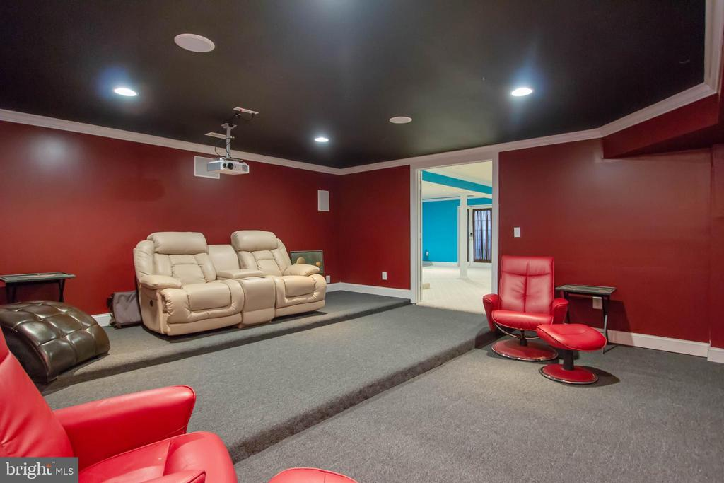 Lots of room for seating - 3713 STONEWALL MANOR DR, TRIANGLE