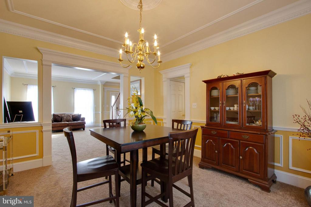 Beautiful dining room - 3713 STONEWALL MANOR DR, TRIANGLE