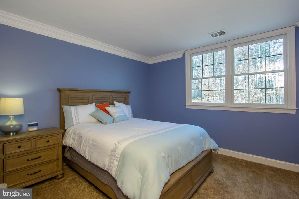 Great size bedroom - 3713 STONEWALL MANOR DR, TRIANGLE