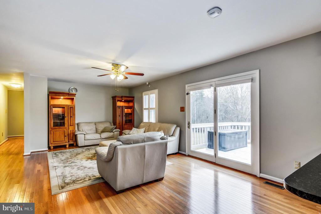 Hardwood floors - 65 GREEN ACRE DR, STAFFORD