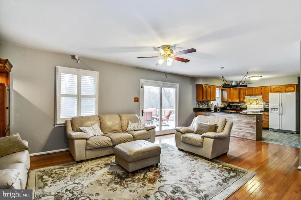 Enjoy this huge family room ! - 65 GREEN ACRE DR, STAFFORD