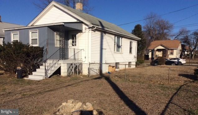 Spacious Side-yard and Backyard - 1200 42ND PL NE, WASHINGTON