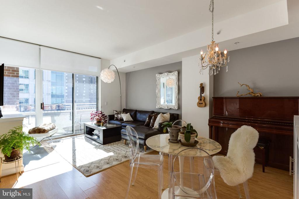 One of Arlington 1 Bedroom Homes for Sale at 1000 N RANDOLPH STREET  502