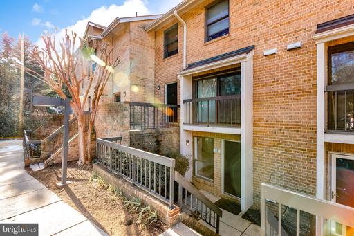 12 DUDLEY CT #6