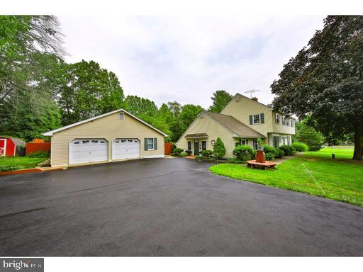 Photo of home for sale at 577 Limekiln Road, Doylestown PA