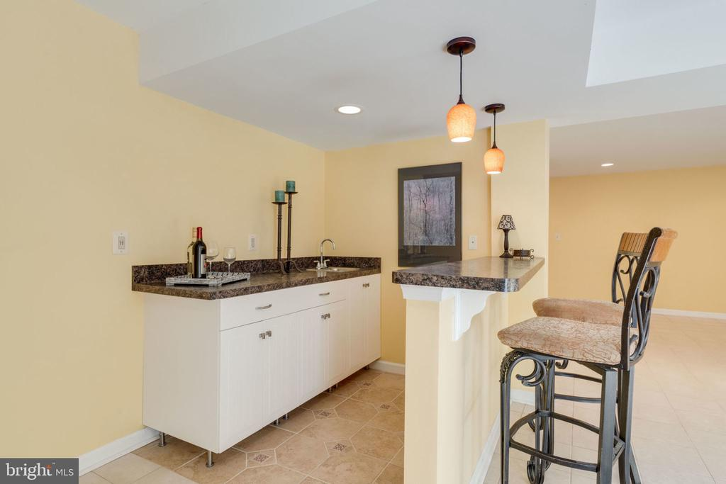 Includes Sink and Cabinetry Space - 8111 RIDGE CREEK WAY, SPRINGFIELD