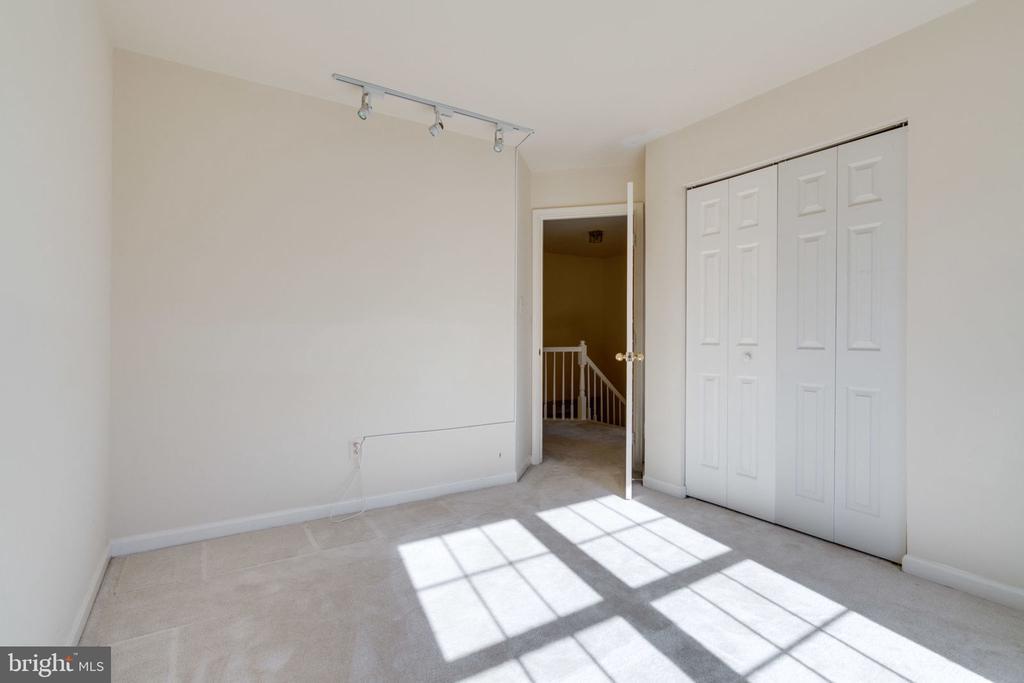 Bedroom 3 - 8111 RIDGE CREEK WAY, SPRINGFIELD