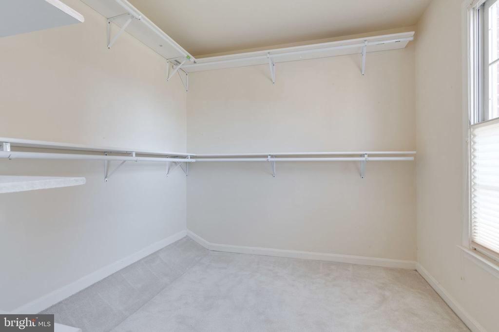 Master Bedroom Walk-in Closet - 8111 RIDGE CREEK WAY, SPRINGFIELD