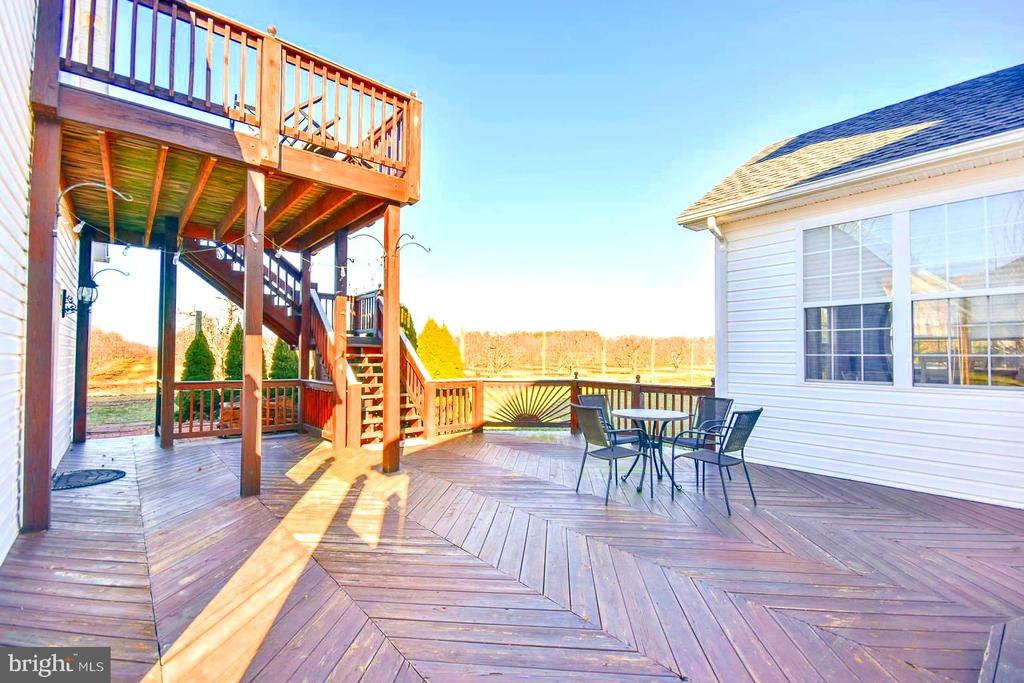 Deck - 200 CHESWICK, MARTINSBURG