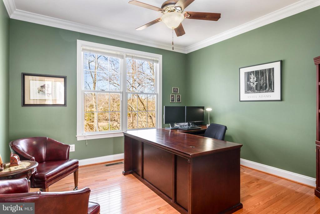Main level home office - 19030 COTON FARM CT, LEESBURG