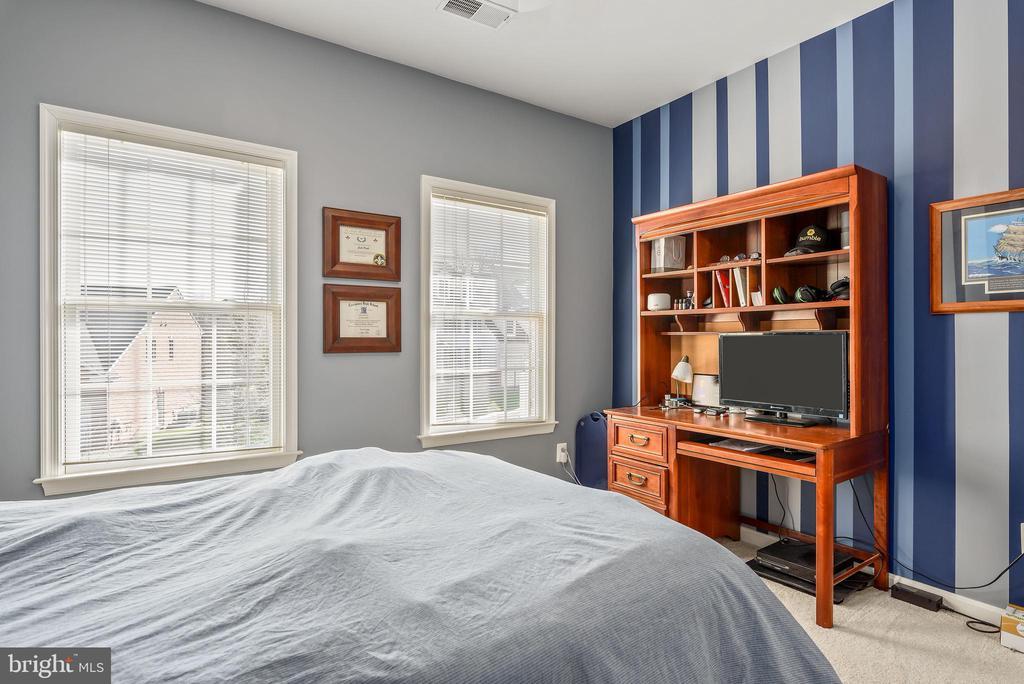 Bedroom 4 - 19030 COTON FARM CT, LEESBURG