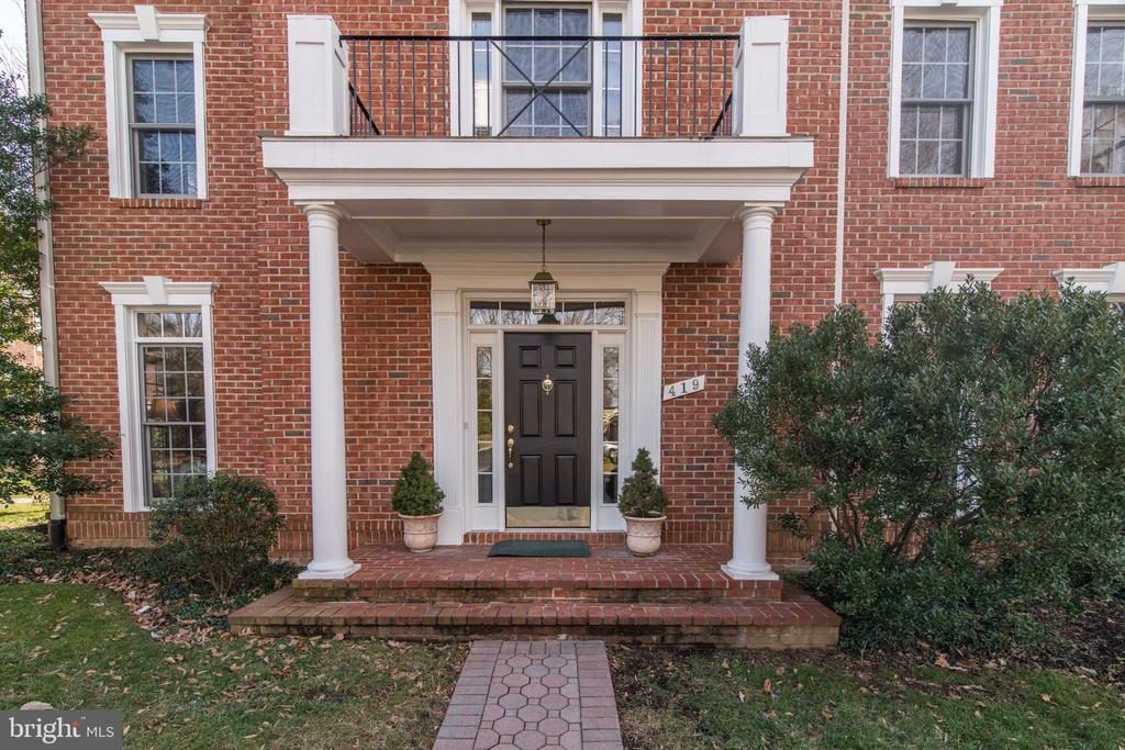 419  PARK AVENUE, Falls Church, Virginia