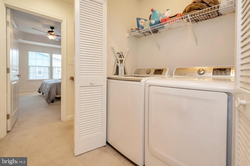 Bdrm level laundry. W/D convey! - 6534 LAFAYETTE AVE, BEALETON