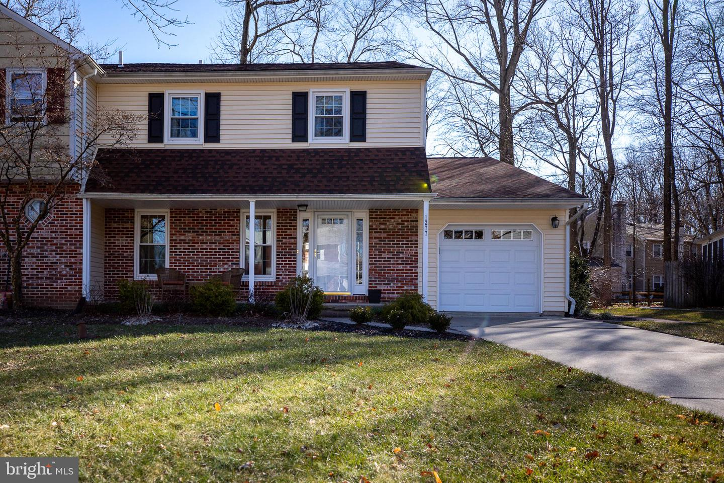 Photo of home for sale at 1277 Barclay Crescent, Yardley PA