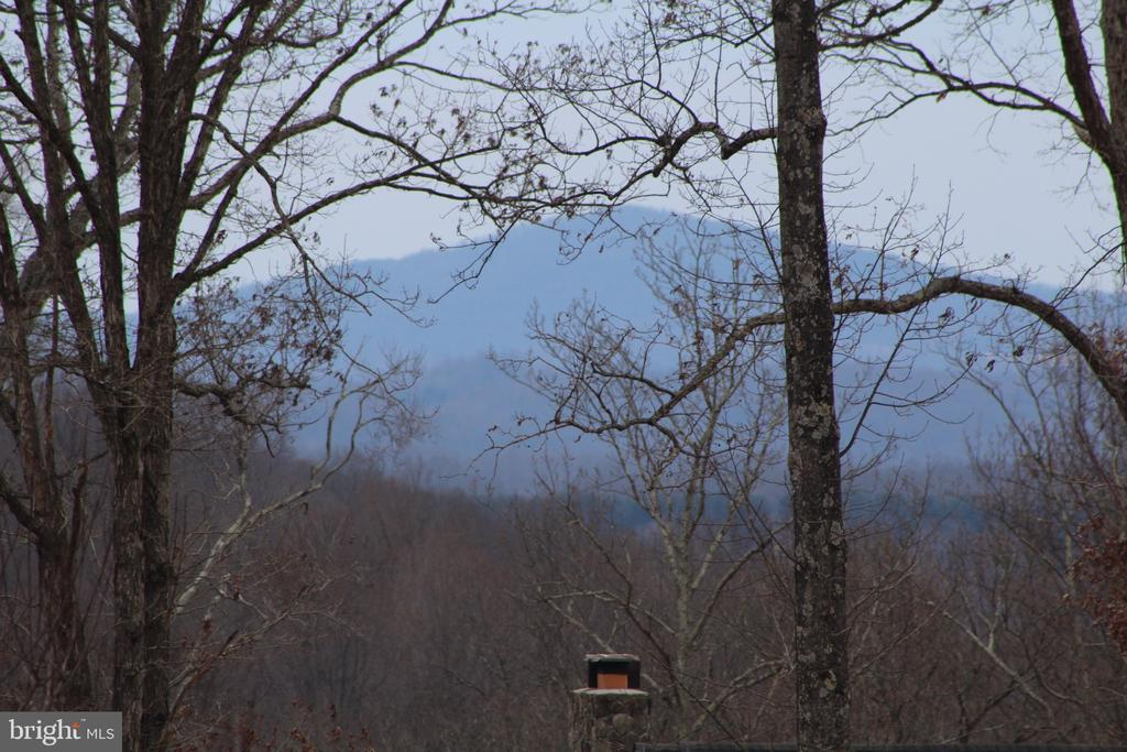 VIEW OF NEARBY HILL - 20970 STEPTOE HILL RD, MIDDLEBURG