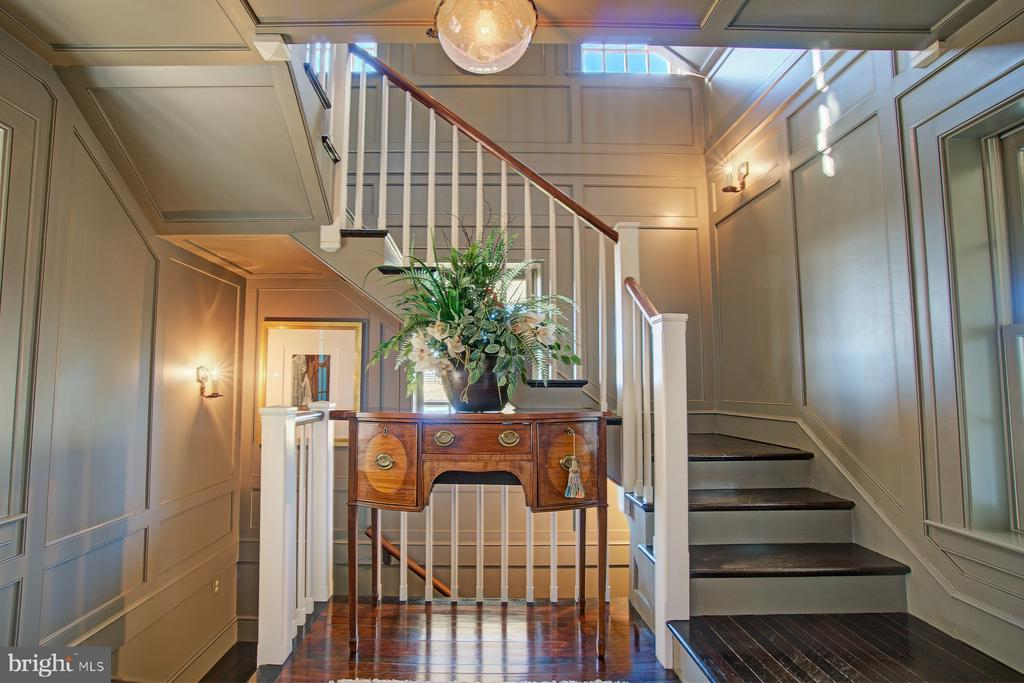 Main staircase designed and built on in 2003 - 22941 FOXCROFT RD, MIDDLEBURG