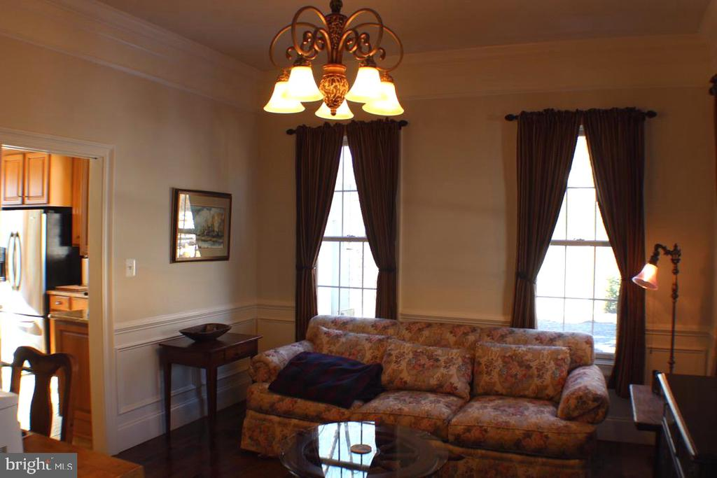 OFFICE OR PARLOR OFF KITCHEN - 20970 STEPTOE HILL RD, MIDDLEBURG
