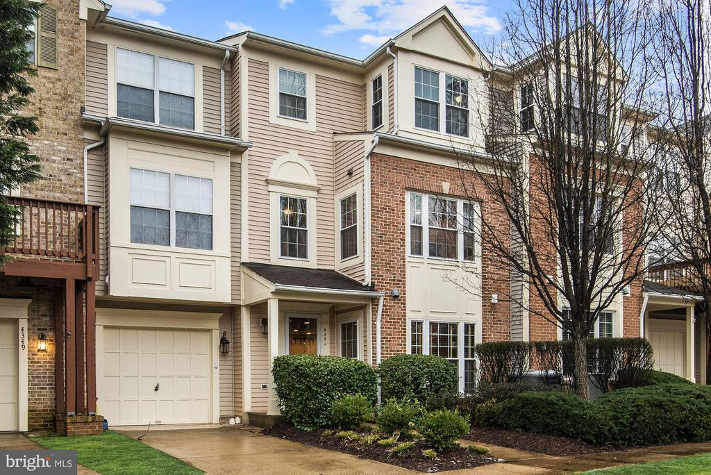 4351  HACKNEY COACH LANE  157 22030 - One of Fairfax Homes for Sale