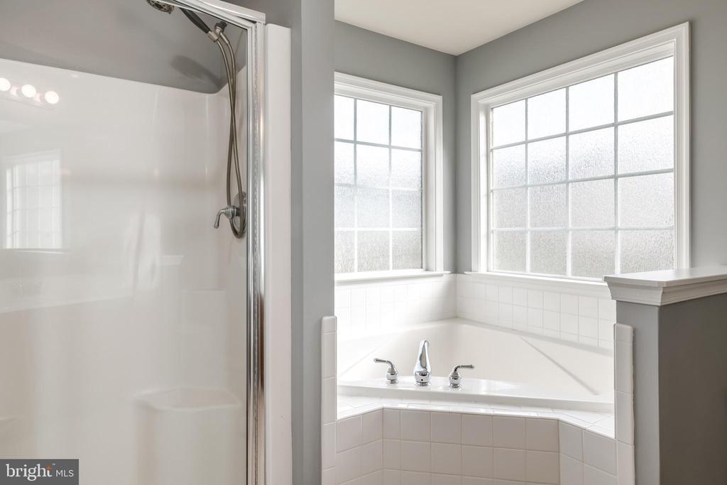 Corner Windows Surround the Tub - 10405 ABERDEEN CT, FREDERICKSBURG