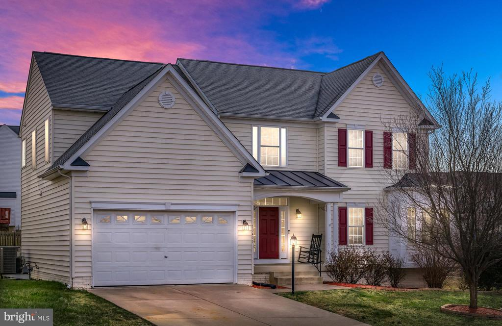 Classic Home Offered in Lees Crossing - 10405 ABERDEEN CT, FREDERICKSBURG