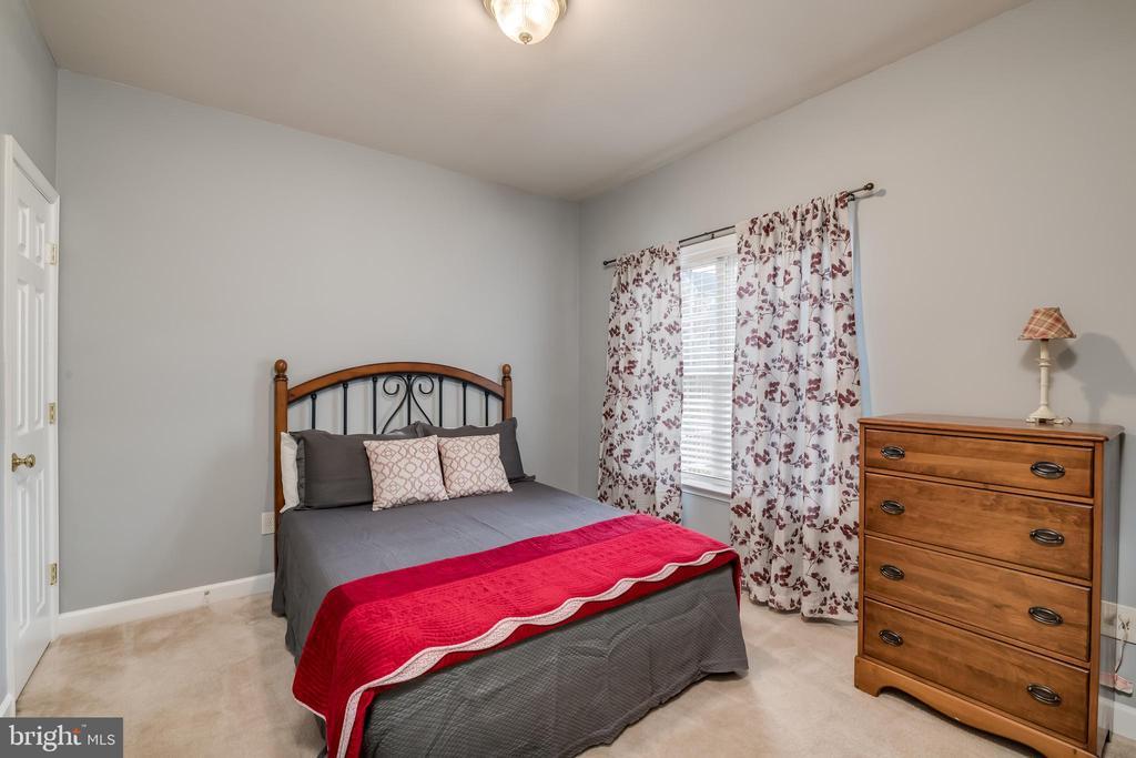 Main Level Bedroom - 10405 ABERDEEN CT, FREDERICKSBURG