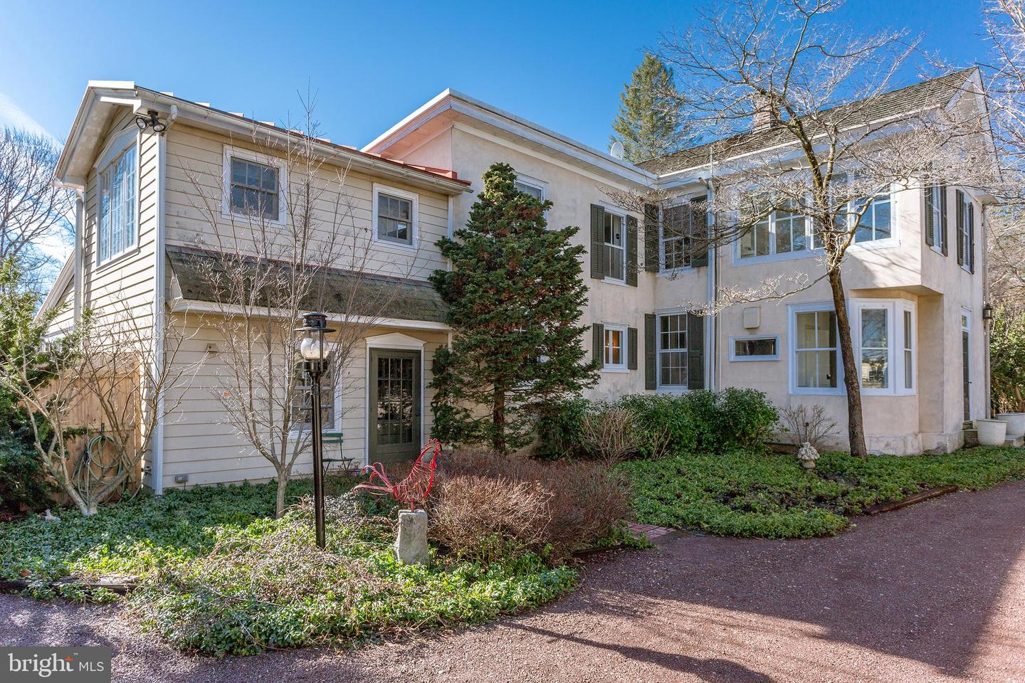Photo of home for sale at 6588 Upper York Road, New Hope PA