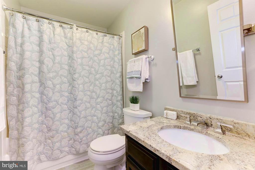 Fully remodeled bath with top of the line fixtures - 1460 PARK GARDEN LN, RESTON