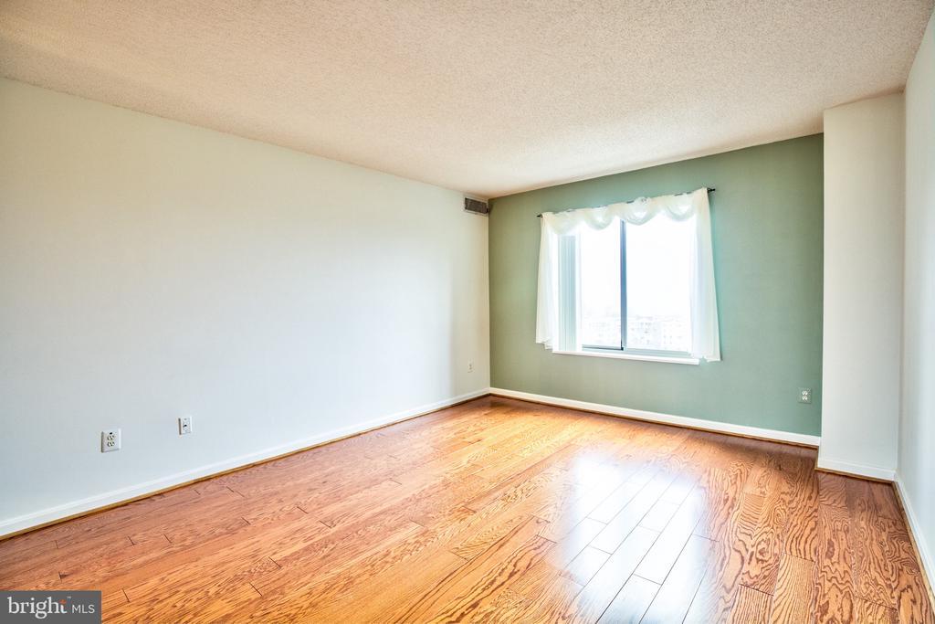 Master Bedroom - 19385 CYPRESS RIDGE TER #915, LEESBURG